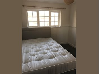 EasyRoommate UK - Double room to rent, Hemel Hempstead - £450 pcm