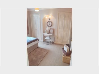 A beautiful luxury room in a newly refurbished flat! Only...