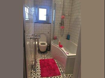 EasyRoommate UK - Lovely double room to rent in Stockbridge!! , Edinburgh - £556 pcm