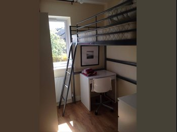 EasyRoommate UK - Two Bright Double Room In Streatham Common, Tooting - £550 pcm