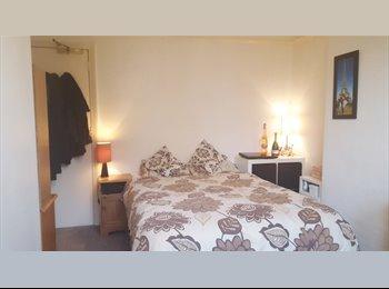 Double ensuite room, Christchurch centre - quiet location