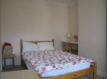 Furnished Double Room to Let in Friendly Modern Townhouse...