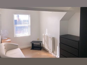 Newly refurbished house share  in Kettering town centre