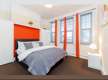 NO DEPOSIT NEEDED*** 6 LARGE DOUBLE ROOMS ***