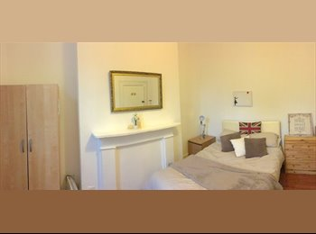 EasyRoommate UK - Studio Rooms available in Ravenscourt Park, Bedford Park - £825 pcm