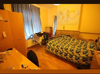 Student house mate wanted!!