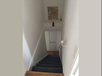 Single Room with loads of storage and great links