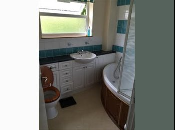 Charming double room available in Bracknell