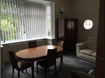 Double room to rent in Glasgow / Bearsden