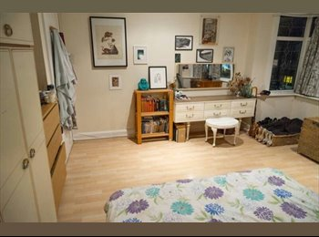 DOUBLE ROOM, BRIXTON, COUPLES WELCOME