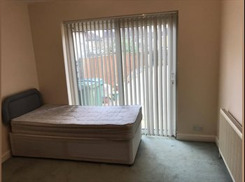 Stunning Room Located Close to Watford Junction