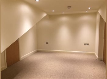 !MUST SEE! LARGE DOUBLE ROOM IN FANTASTIC LOCATION