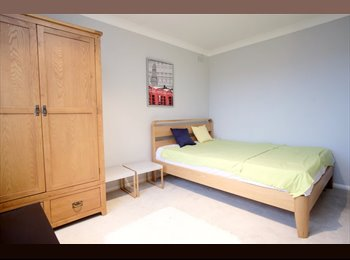 M* Big Room in Shepherd's Bush, Avalaible TODAY