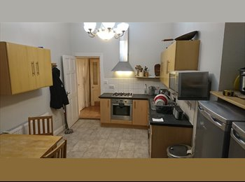 single and double rooms for singles or couples in northend...