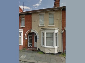 EasyRoommate UK - *Double Room To Let*, Northampton - £400 pcm
