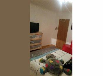 Single and Double Room near Heathrow ( Hayes)
