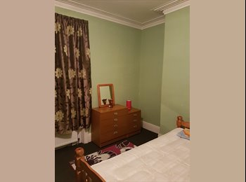 Large furnished room to rent in Fenham