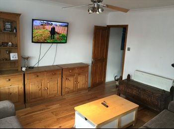 EasyRoommate UK - Spacious and Sunny apartment 5 minutes walk to St. Pancras and Kings Cross, King's Cross - £1,000 pcm