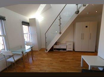 EasyRoommate UK - 2 floors room with ensuite near Finchley Road, West Hampstead - £1,100 pcm