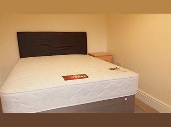 En-Suite Rooms  Five mins to Cabot & Temple Meads