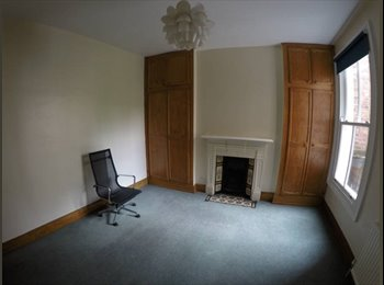 Double room for renting in a flat shared with one more...