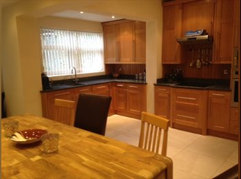 EasyRoommate UK - Beautiful house for professional houseshare in Woolton., Woolton - £390 pcm
