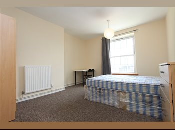 BEAUTIFUL double room close to GREENWICH. ALL BILLS...