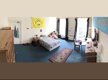Huge, clean warm room in Haymarket