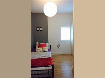 En-suite Single Bedrooms - Conveniently located