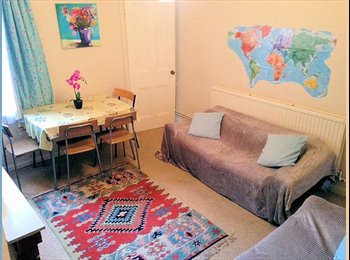 Clean and bright double room, quiet street in vibrant West...