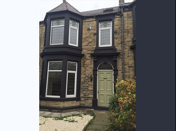 EasyRoommate UK - Quality, large, ensuite, town centre rooms available, Barnsley - £411 pcm