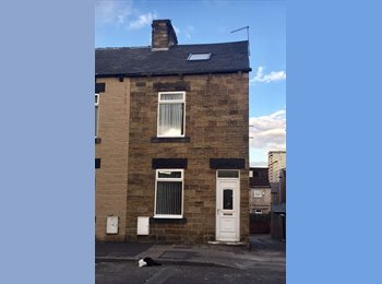 Town centre double rooms to let