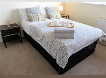Deluxe Double in Newly Furnished Modern House