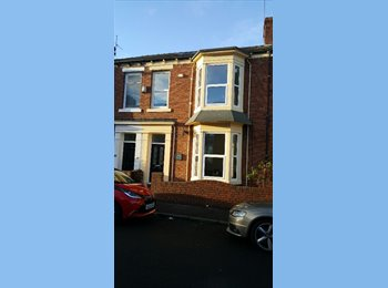 Recently refurbished spacious house minutes from the Uni