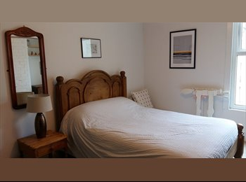 Lovely Double Bedroom to rent in house share, £95pw...