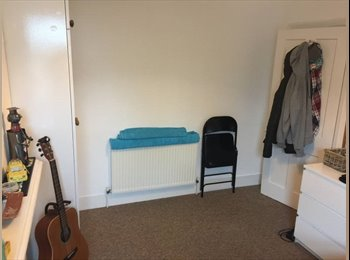 Double Room very close to Clapham Junction!