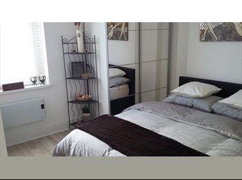 Newly renovated duplex, en-suite, close to city centre