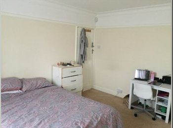 ⚡⚡AMAZING LARGE DOUBLE ROOM IN SOUTHGATE