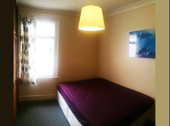 GREAT DOUBLE ROOMS IN SOUTH NORWOOD ! - 2 WEEKS DEPOSI