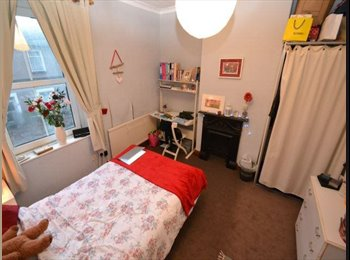 Two Double bedrooms in Cathays