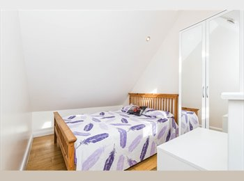 EasyRoommate UK - Brand new studio for the price of a bedroom, Limehouse - £700 pcm