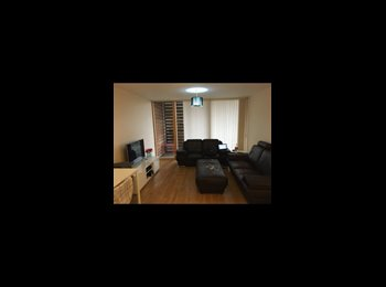 Central MK, nice furnished double room own bathroom in...