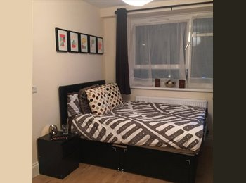 EasyRoommate UK - Double Room Bermondsey All Bills Inclided, Bermondsey - £800 pcm