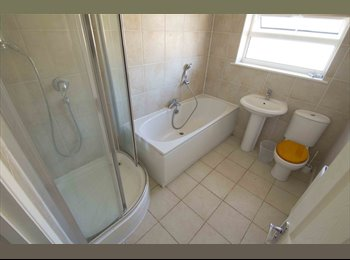 Good Size Double Room W/ Wifi+Cleaning *Must See*