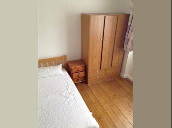 Large Bedroom In The Heart Of Elephant &Castle.SE1
