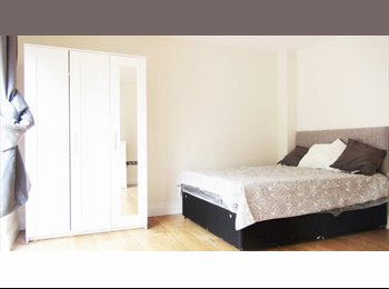 Sunny double room in brand new 4 bedroom flat