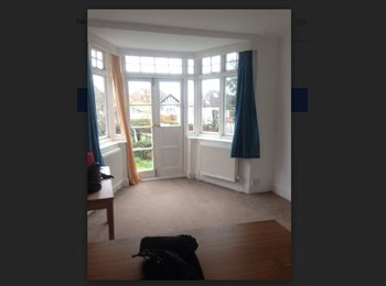 + AMAZING DOUBLE ROOM WITH AN ACCESS IN THE GARDEN !!