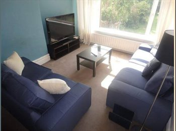 CHEAP ROOM IN LARGE, FRIENDLY FALLOWFIELD HOUSE
