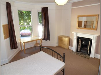 LARGE DOUBLE ROOM AVAILABLE FOR SEPT 2017