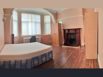 SIX BEDROOM HOUSE IN VICTORIA PARK